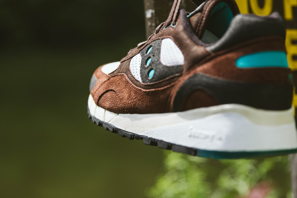 west-nyc-x-saucony-shadow-6000-05