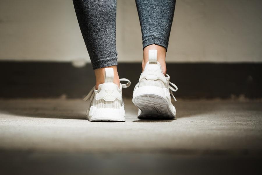 womens-adidas-nmd-r1-chalk-04