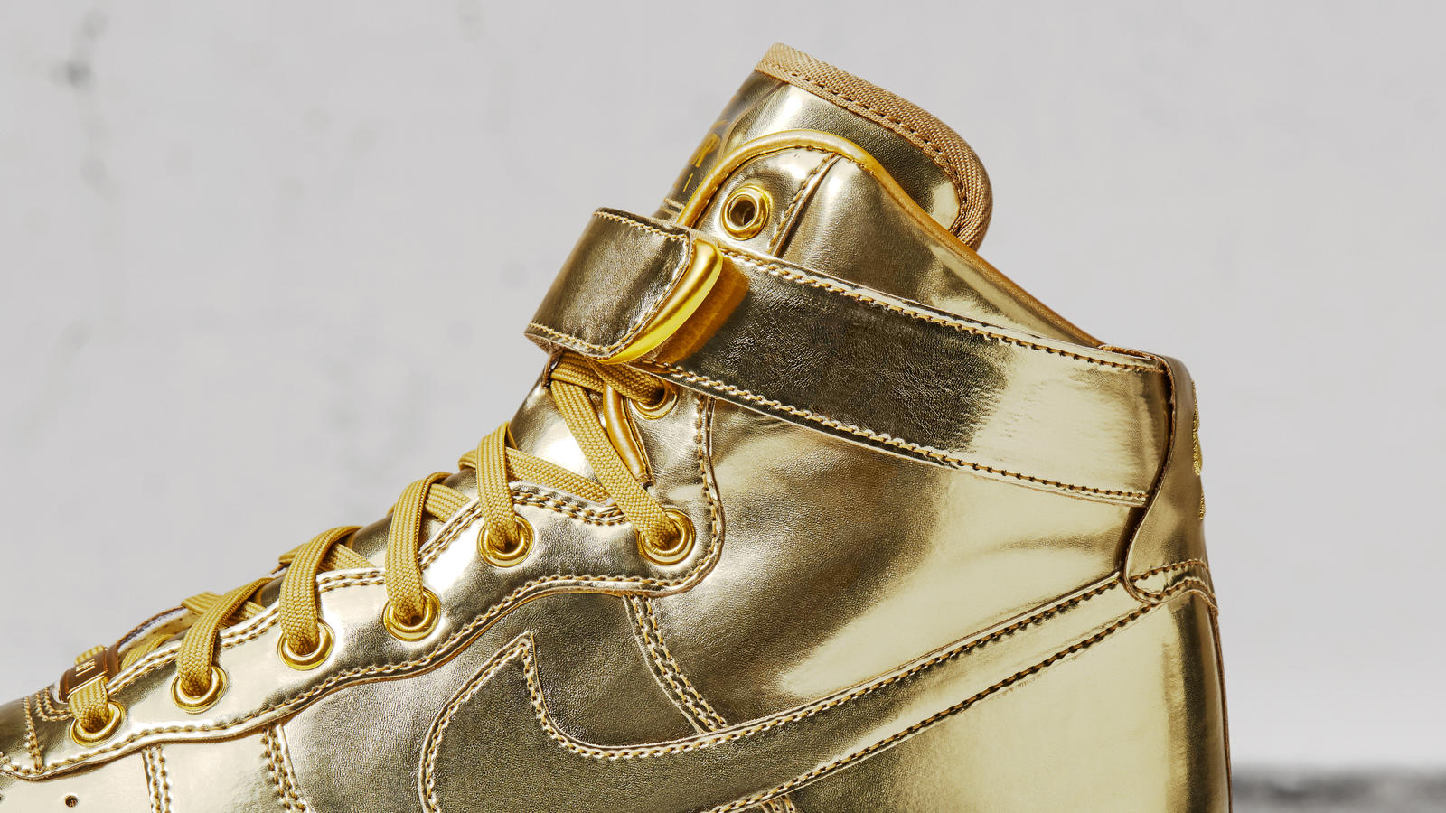 Nike Air Force 1 High Metal Gold Next Level Kickz