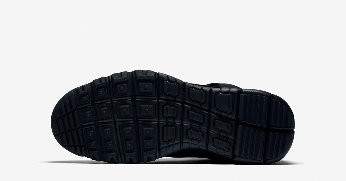 nike-sb-dunk-high-sneakerboots-black-03