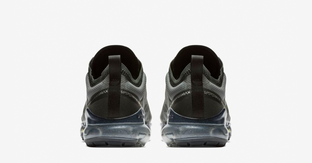 Nike-Air-VaporMax-2019-Triple-Black-AR6631-004-05